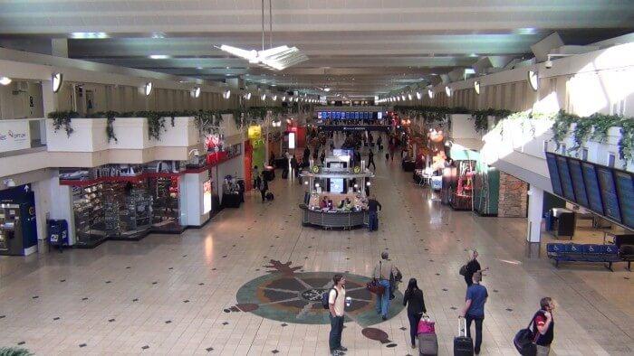 مطار مينابوليس-سانت بول في أمريكا