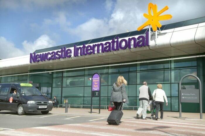 مطار نيوكاسل الدولي في بريطانيا