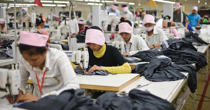 عمال المصانع