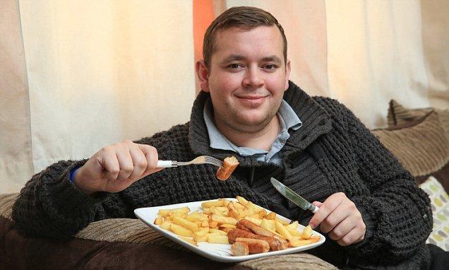 دانيال يرفض تناول جميع الأطعمة ماعدا البطاطس المقلية