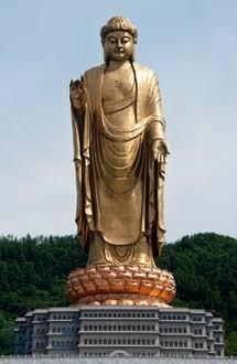 معبد الربيع لتمثال بوذا