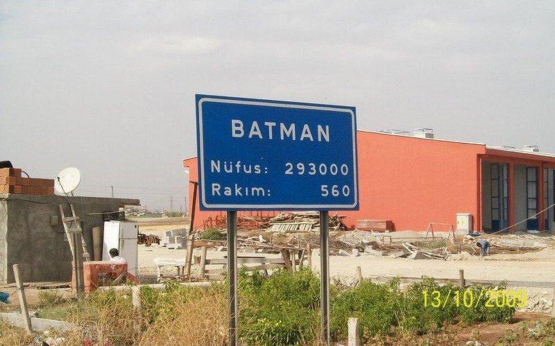 مدينة باتمان ترفع دعوة قضائية ضد المخرج كريستوفر نولان