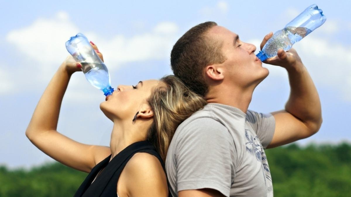 شرب الماء على الريق