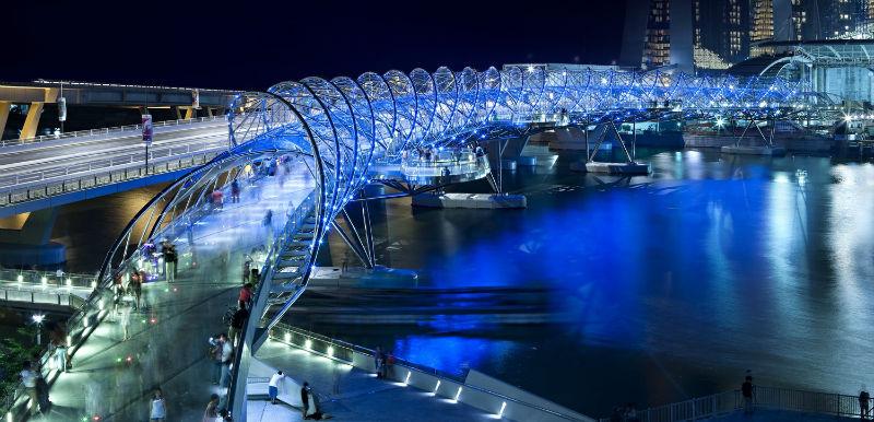 جسر هيلكس مركز مارينا