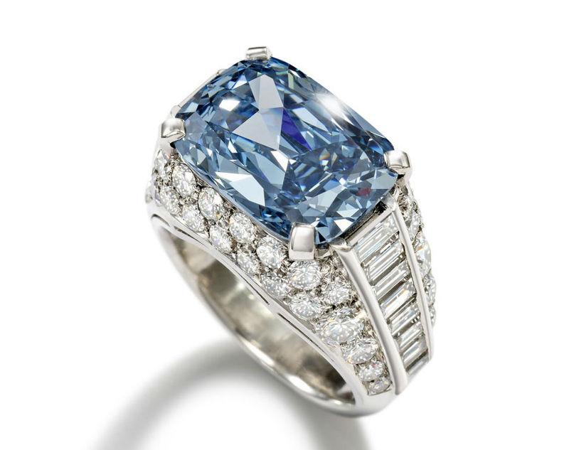 الخاتم البلغاري الأزرق