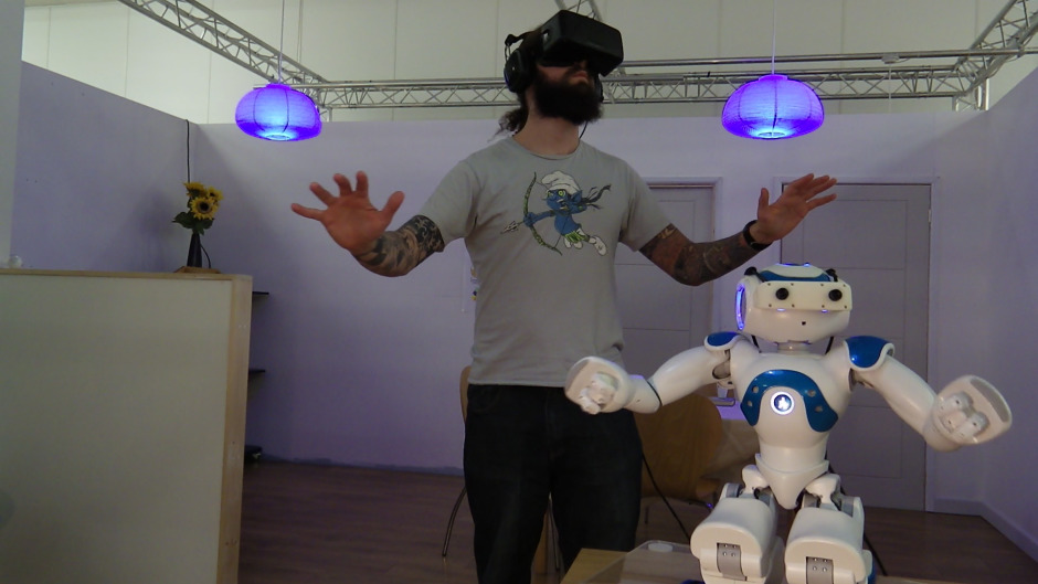 تدريب الروبوتات على التحدث مع البشر